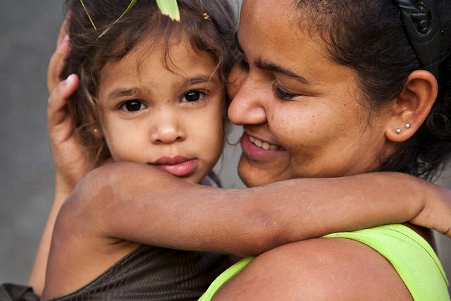 Cuba-mother-daughter.jpg