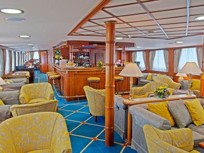 Indoor bar and lounge area M/Y Callisto Coastal Cuba cruise yacht food drink