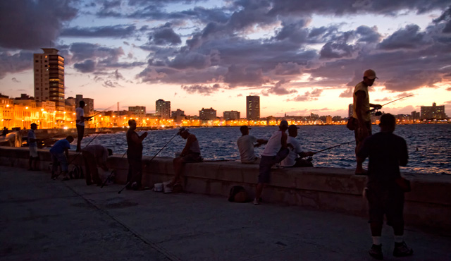 evening-fishing-on-malecon1.jpg