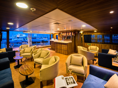 M/S Panorama upper deck indoor/outdoor bar and lounge area