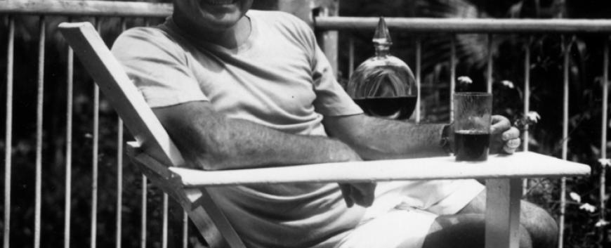 746px-Ernest_Hemingway_at_the_Finca_Vigia,_Cuba_1946.png