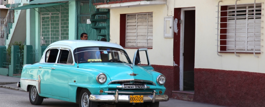 Cuba-Cars-Plymouth-lightblue.jpg