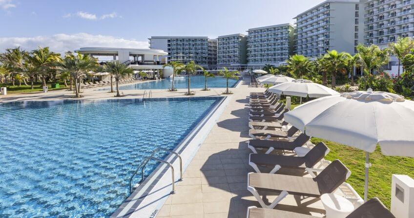 Melia International Hotel Pool