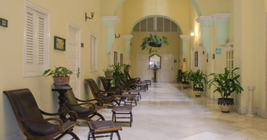 Hotel Inglaterra lobby hallway cuba tour travel old havana historic indoor seating