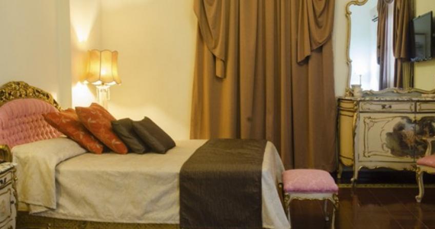 Standard room Hotel Ingleterra historic cuba old havana