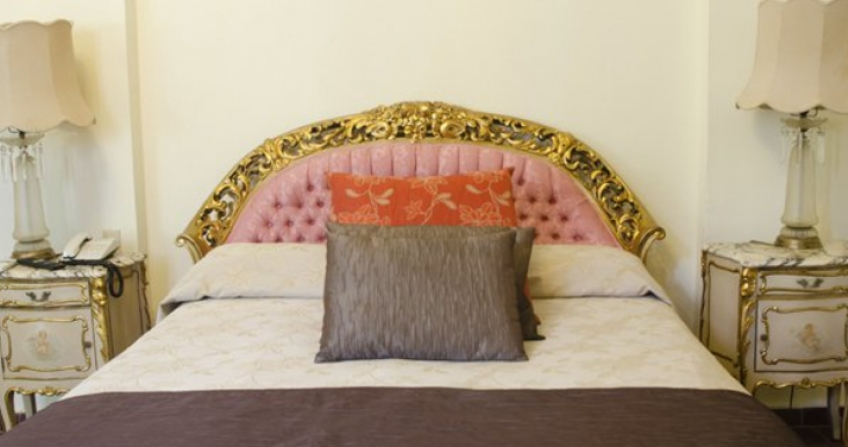 Standard room Hotel Inglaterra historic cuba old havana