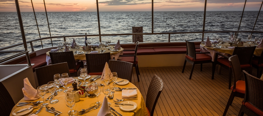 Outdoor dining on M/S Panorama II