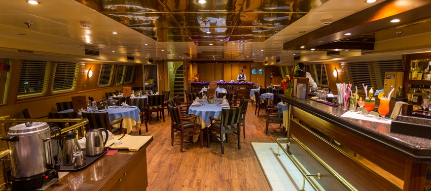 Bar dining area M/Y Pegasus luxury cruise vacation Seychelles