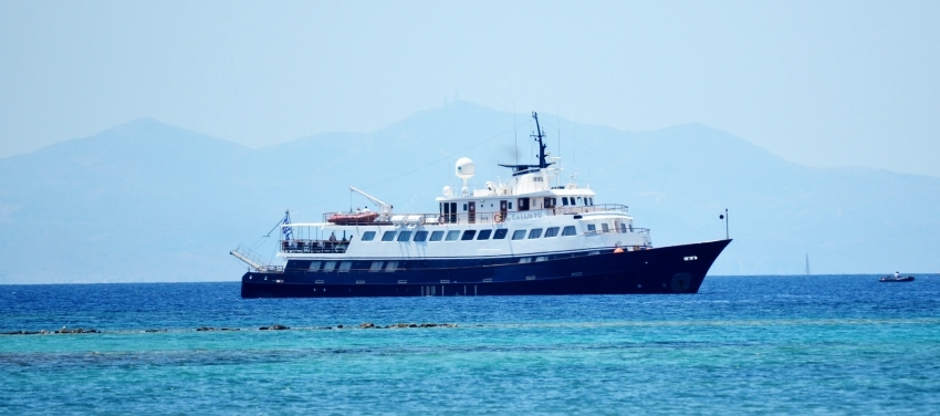 Exterior Callisto Mega Yacht in Cuba