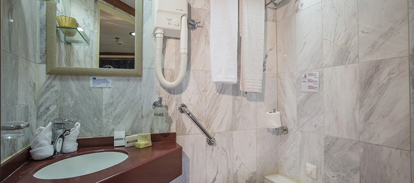 M/S Galileo bathroom cabin category b and c