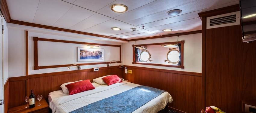 Category C cabin double bed room M/S Galileo sail