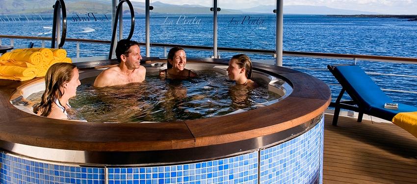 Jacuzzi on la Pinta relax vacation enjoy