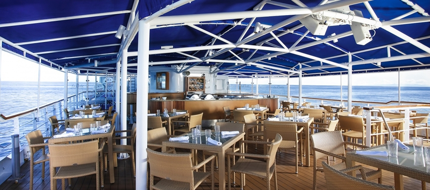 Outdoor dining al fresco luxury yacht La Pinta