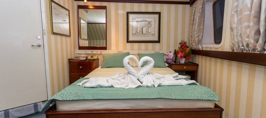 Category B cabin double bed room M/Y Pegasus cruise