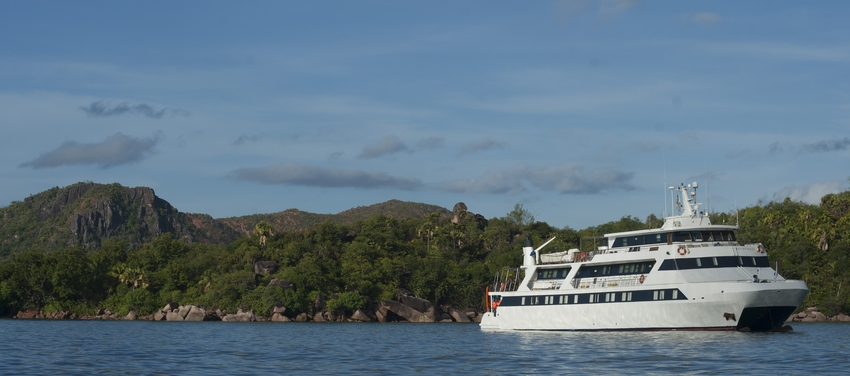 M/Y Pegasus sailing in Seychelles Africa luxury cruise