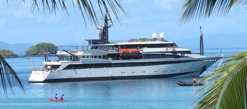 Voyager Exterior in Cuba
