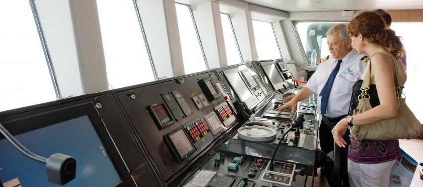 The Bridge on the Voyager Captain Guests Controls