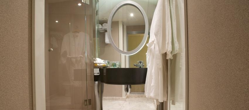 Voyager Spa Bathroom Relax Cuba
