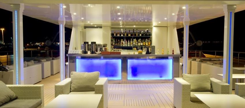 Voyager Sun Deck Bar Cuba