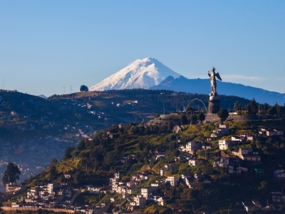 Quito with Cotopaxi in the background_400x300