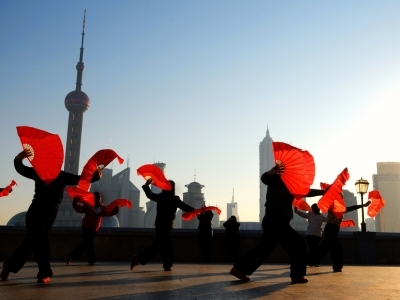 Shanghai dancers with fans