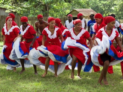 Dancers Performers in Trinidad, Cuba