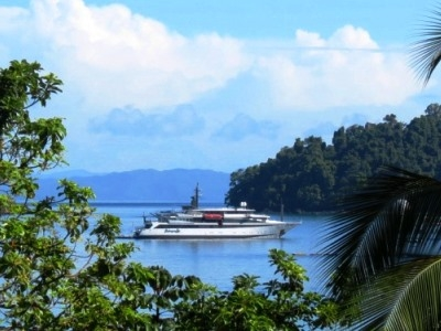 Our Voyager Cruise navigating the tropical waters of Cuba