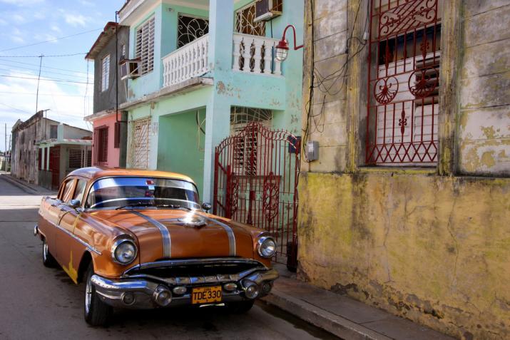 Cuba-Cars-Brown.jpg