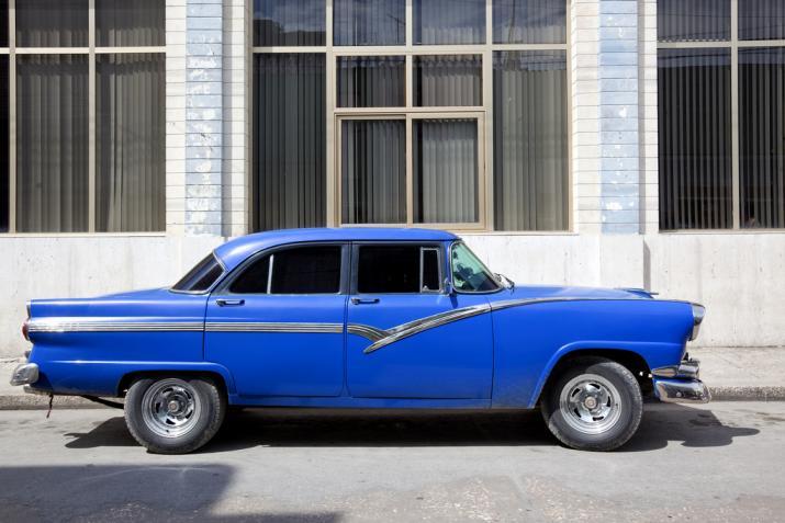 Cuba-Cars-Darkblue.jpg