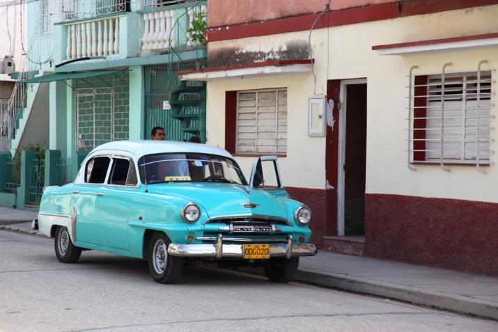 Cuba-Cars-Plymouth-lightblue.jpg
