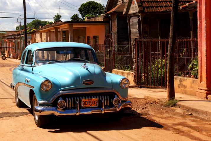 Cuba-Cars-lightblue.jpg